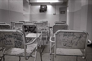 7.2.97. Dublin. St Patricks in Mountjoy Prison. ©Photo by Derek Speirs